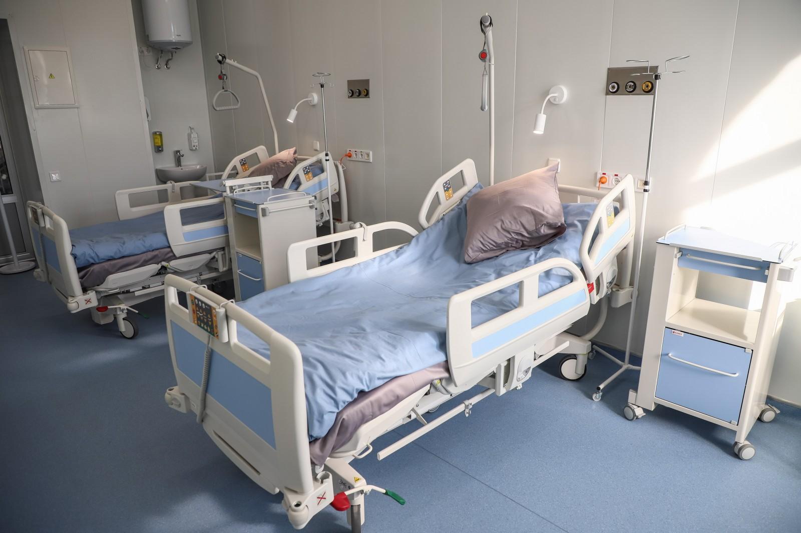 Минздрав призвал регионы воздержаться от перепрофилирования коек под больных COVID-19