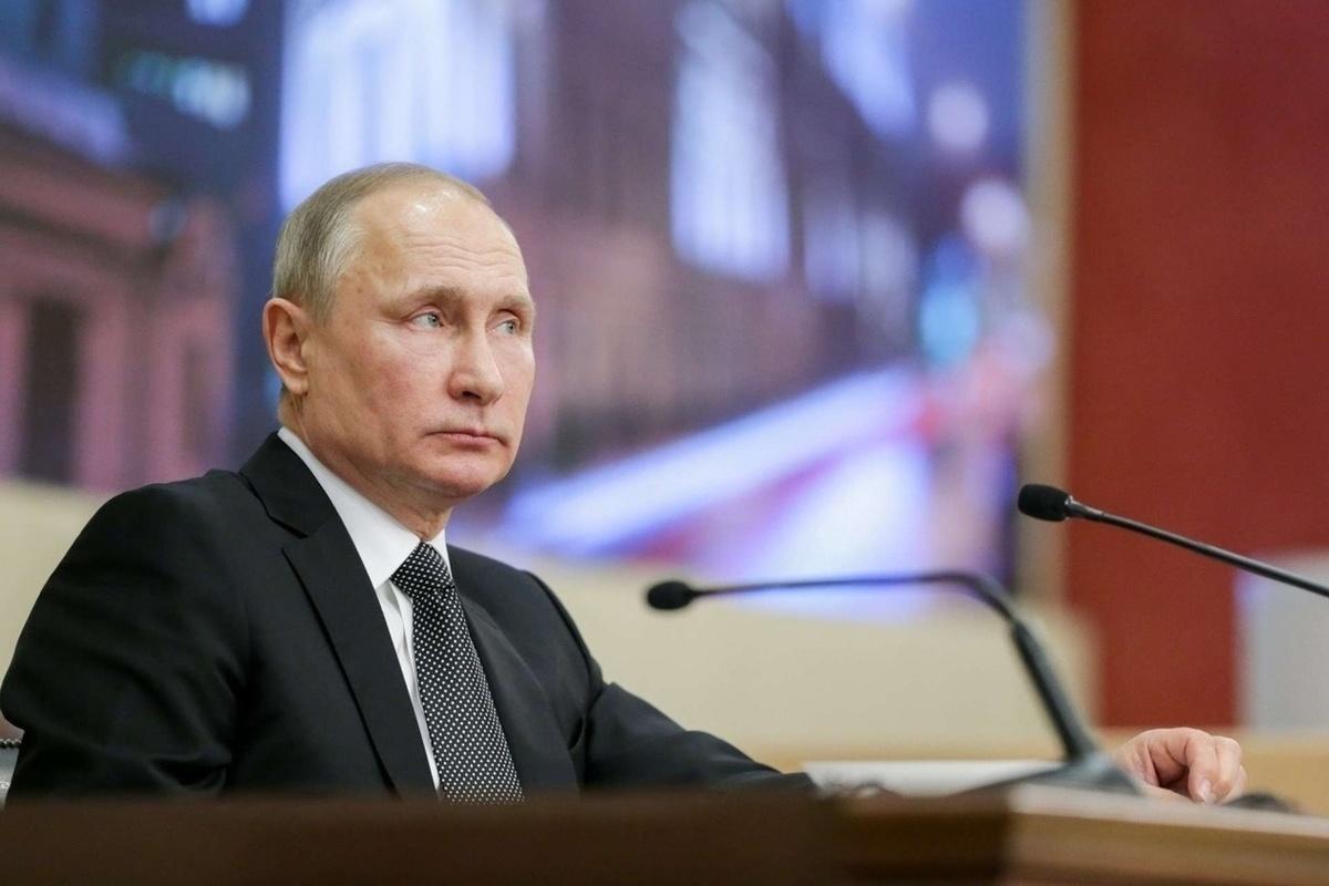 Путин подписал указ о награждении медработников за борьбу с коронавирусом