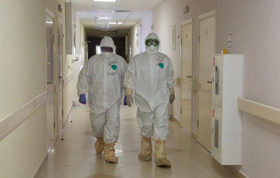 Московские медработники вылечили 65 тысяч тяжелобольных пациентов в период пандемии