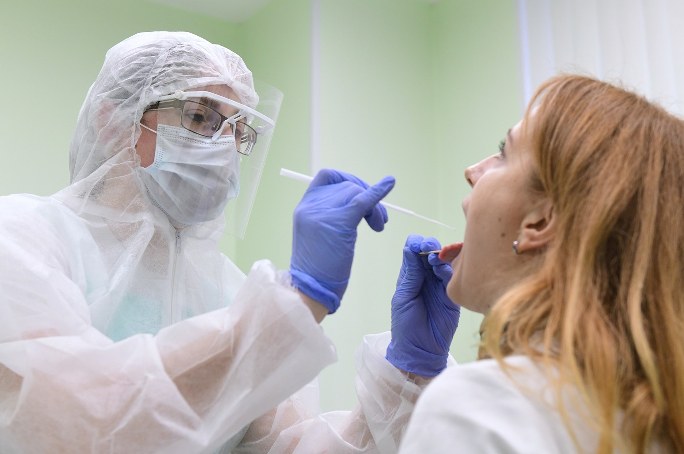 Тест на коронавирус будут проводить в рамках ОМС перед плановой госпитализацией