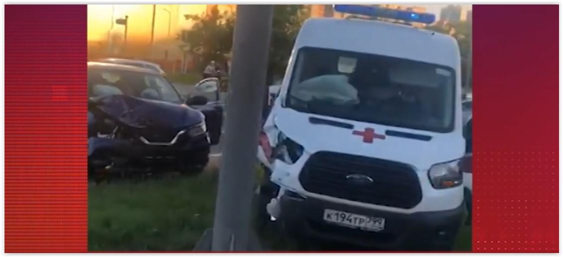 В Москве «скорая» насмерть сбила пешехода