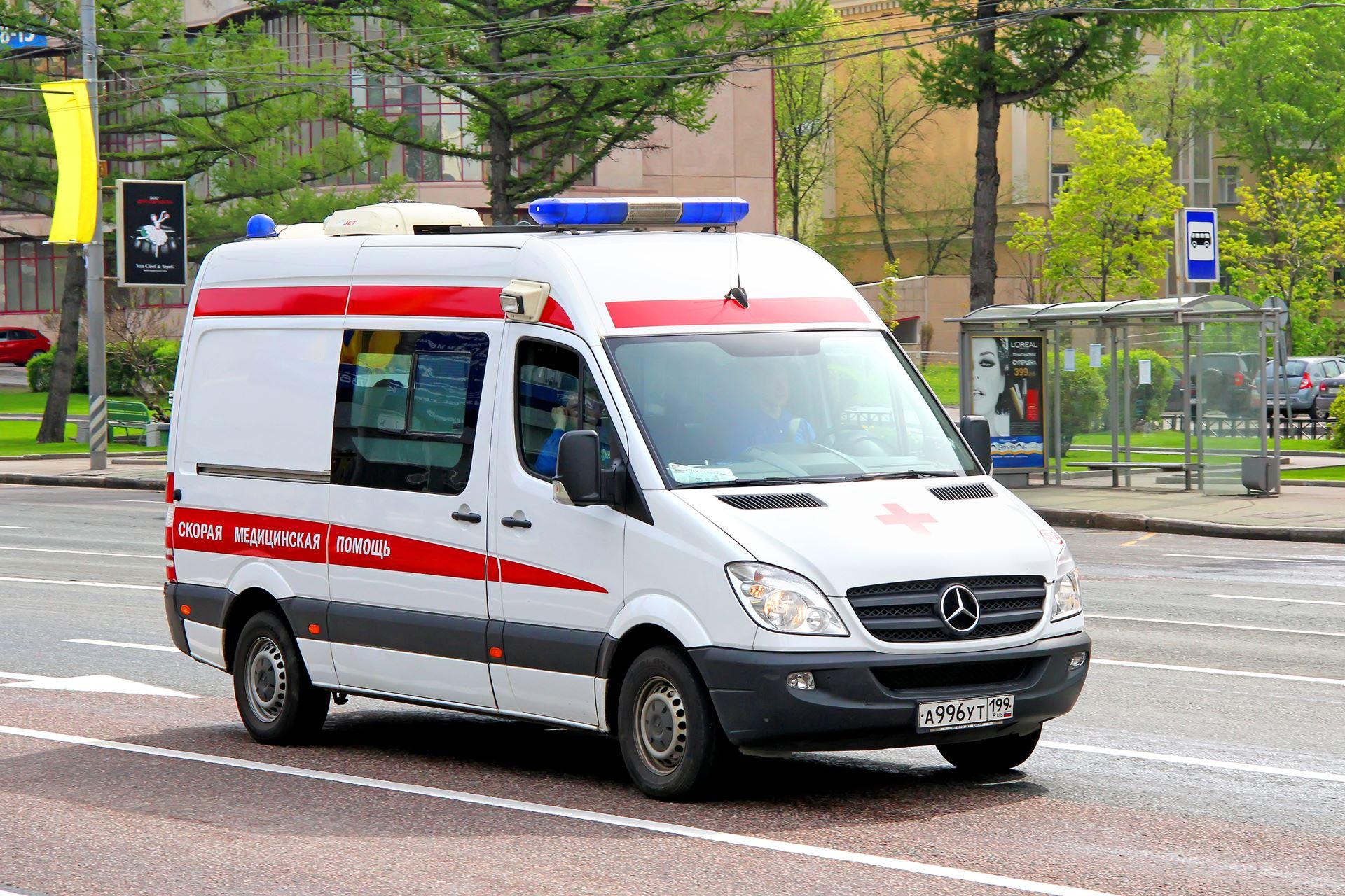 В Симферополе врача скорой помощи ранили ножом в шею