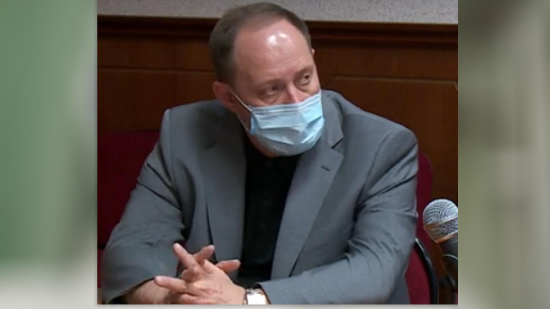Суд отменил штраф главврачу ЦГКБ за лечение пациентов с коронавирусом дома