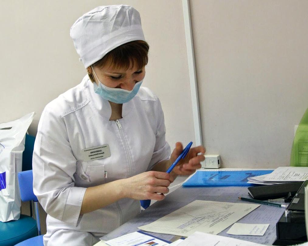 В Забайкалье выплаты назначили врачам, которые лечат пациентов с COVID амбулаторно