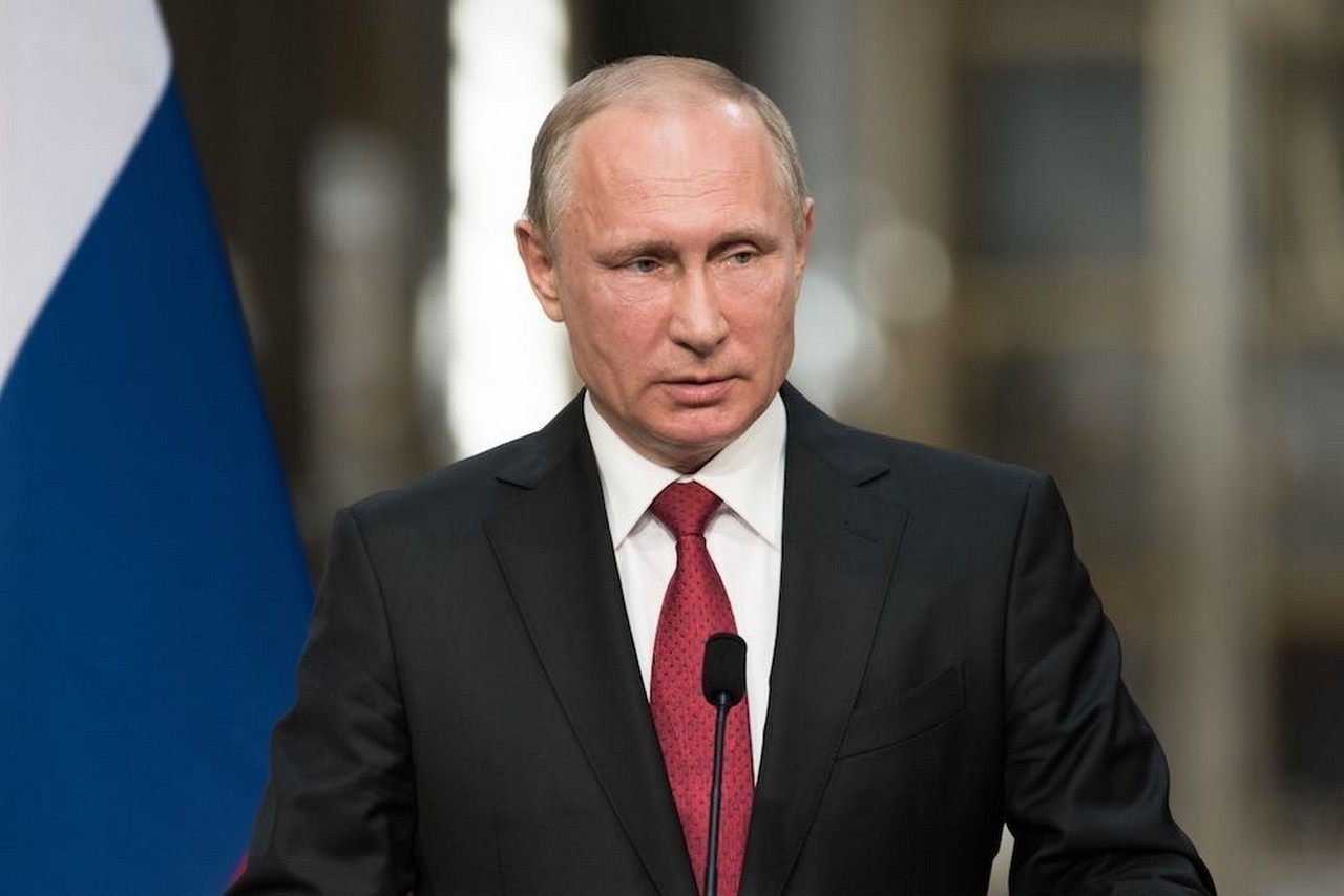 Путин: Ситуация с коронавирусом сложная, может качнуться в любую сторону