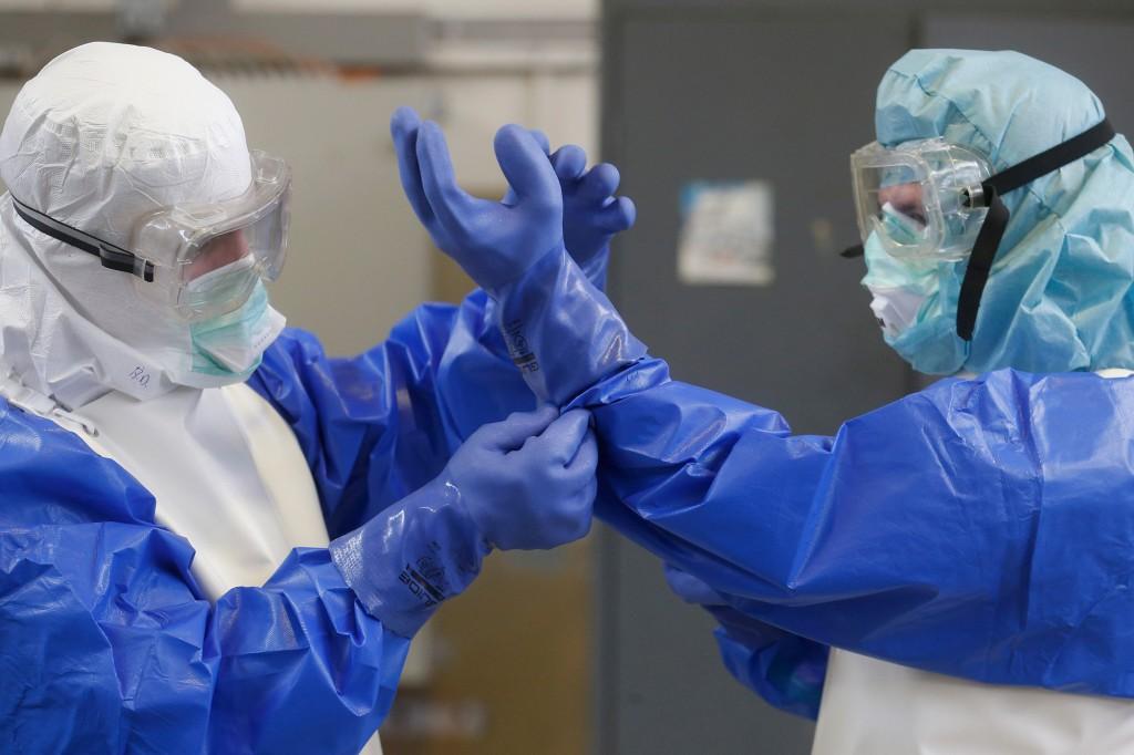 Правительство утвердило выплаты медработникам за работу с коронавирусом