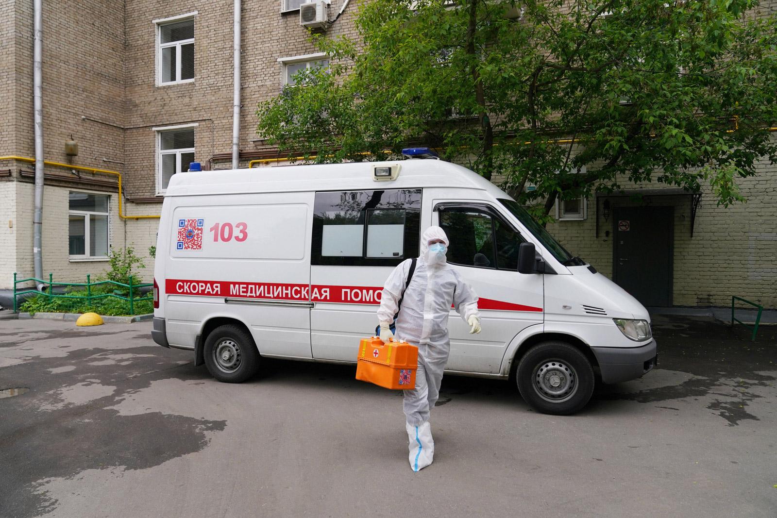 Депутат предложил ввести посмертные награды для умерших от коронавируса врачей