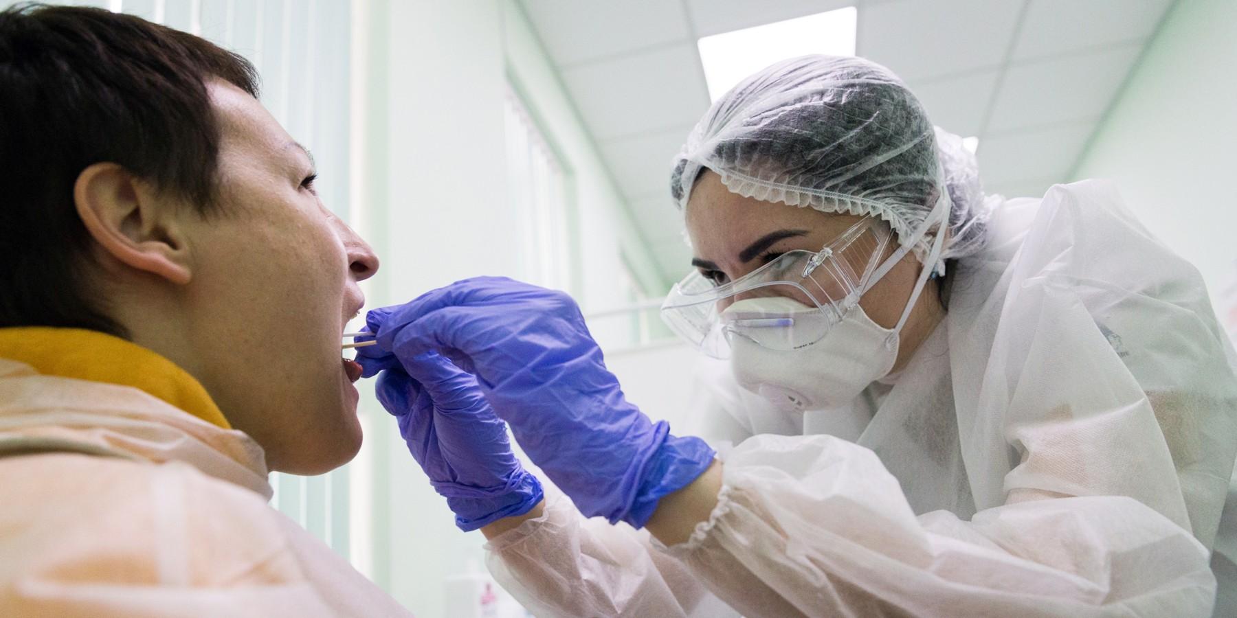 Тестирование на COVID планируют внести в программу госгарантий с 2021 года