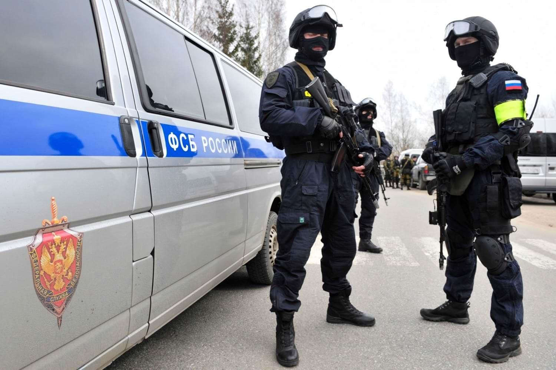 ФСБ задержали завотделением саратовской больницы при получении взятки