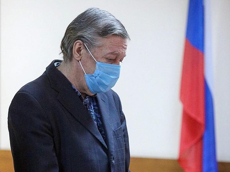 Российский врач обвинил коллег в халатности по делу смертельного ДТП с Ефремовым 3