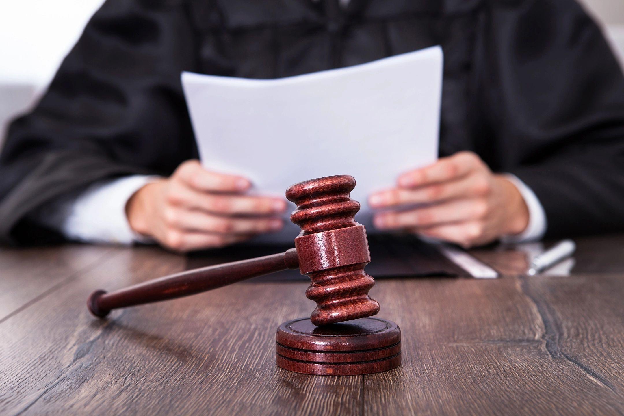 Завотделением осудили за взимание платы с пациентов за палаты повышенной комфортности