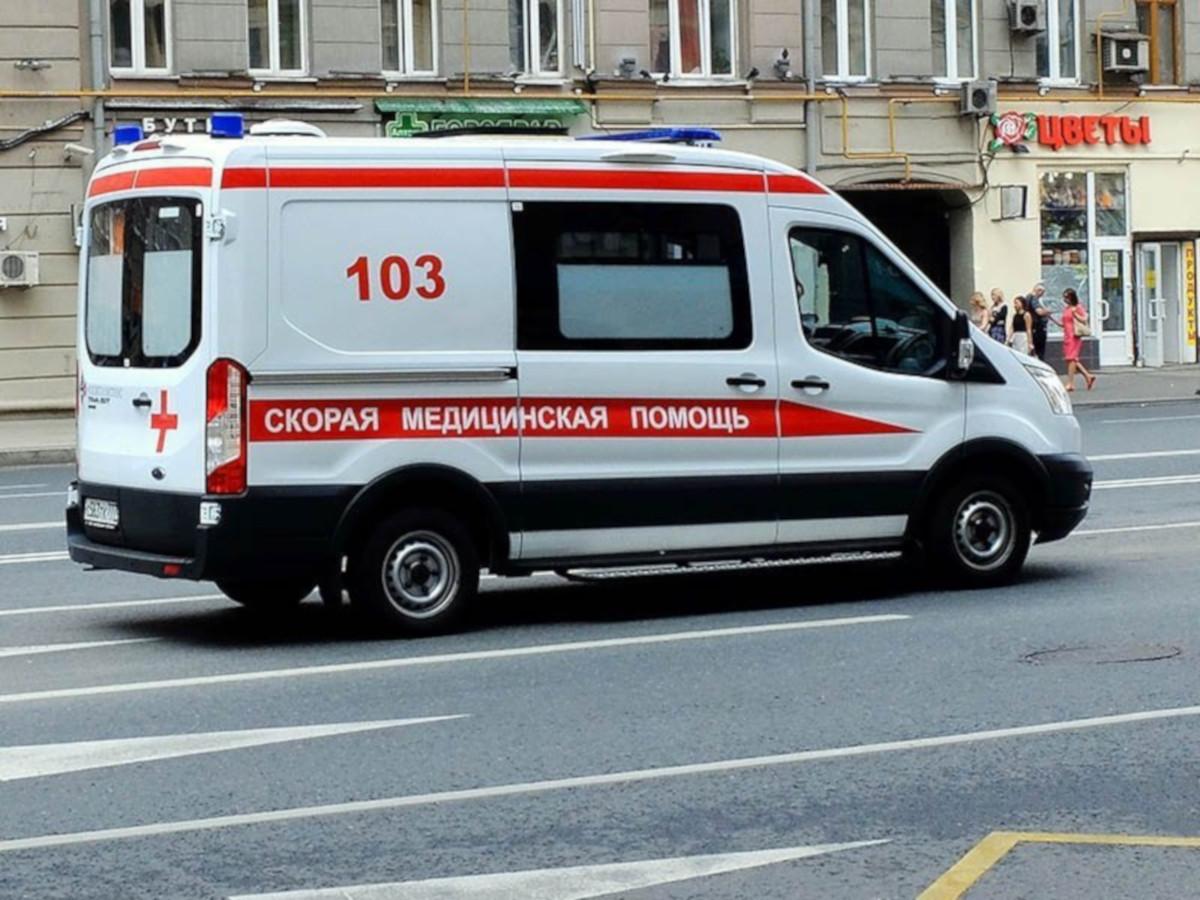 В Москве подросток с COVID сбежал из машины «скорой» на территории больницы