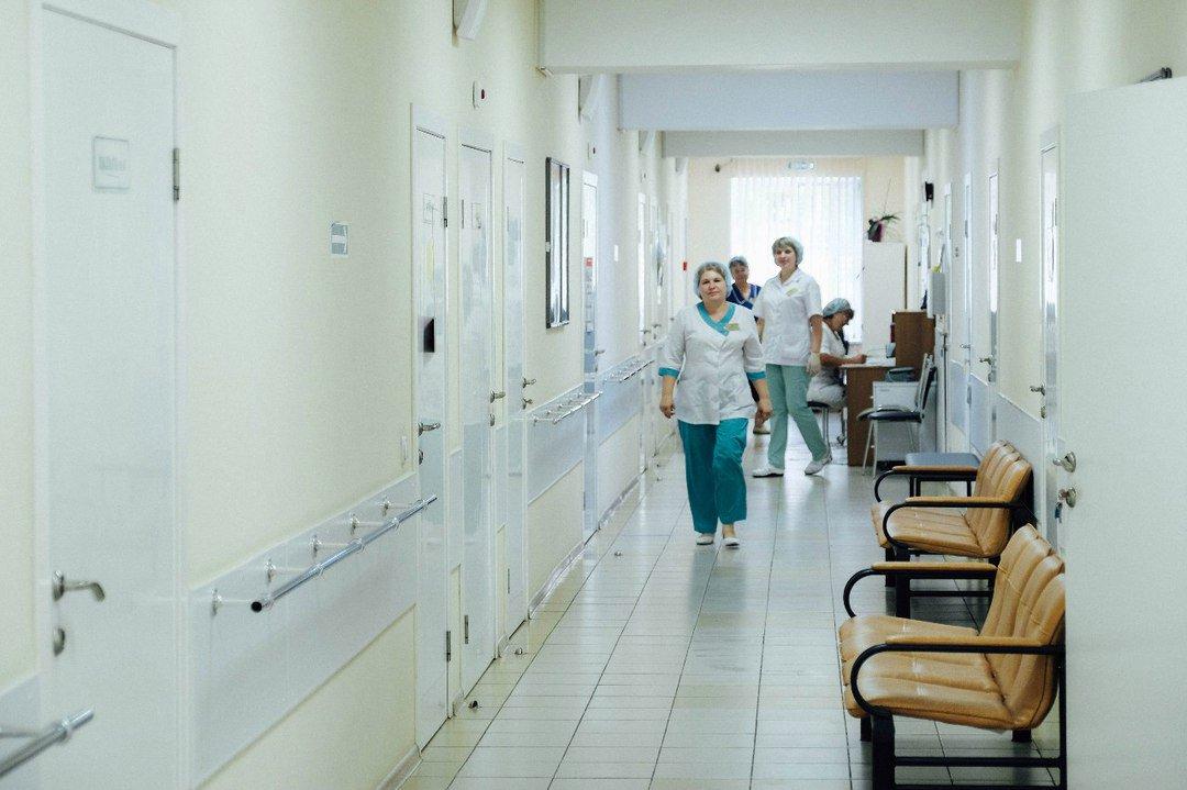 В Удмуртии почти 450 врачей поликлиник находятся на больничном