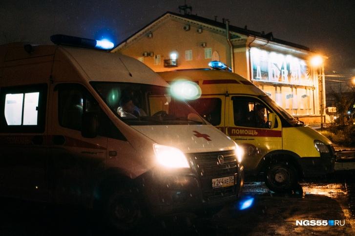 Медработники «скорой» привезли пациента с COVID к зданию Минздрава из-за отсутствия мест в больнице