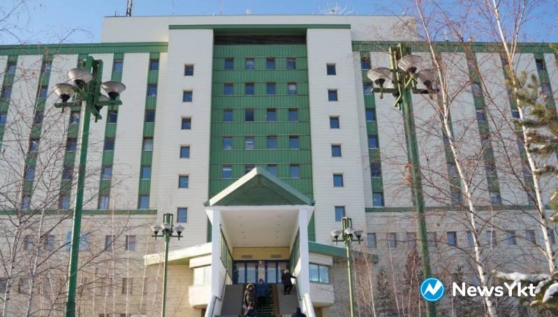 «Это решение абсурдно»: Два этажа медцентра гематологии хотят переоборудовать в covid-госпиталь