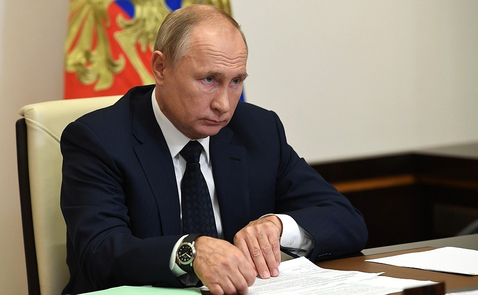Путин выделил 15 млрд рублей на борьбу с коронавирусом: закупку СИЗ, тестов и лекарств в амбулатории