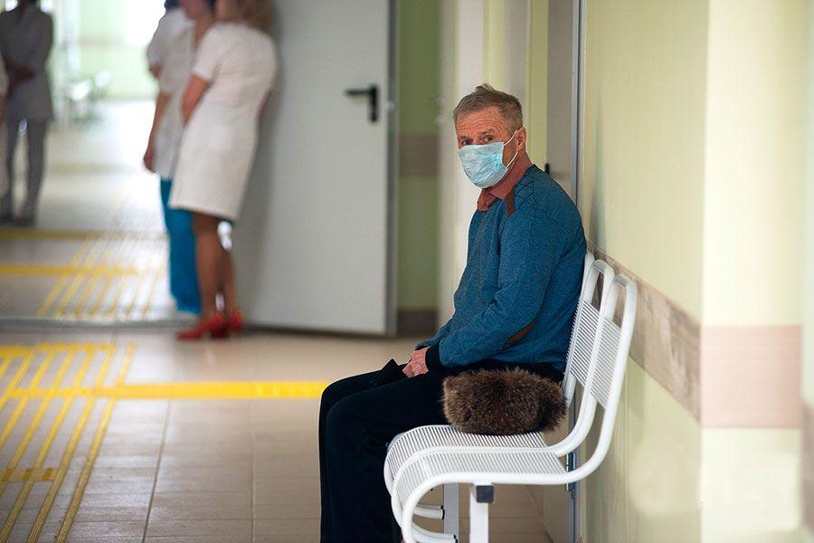 Инфекционисту и гематологу выделили по 20 минут на приём пациента