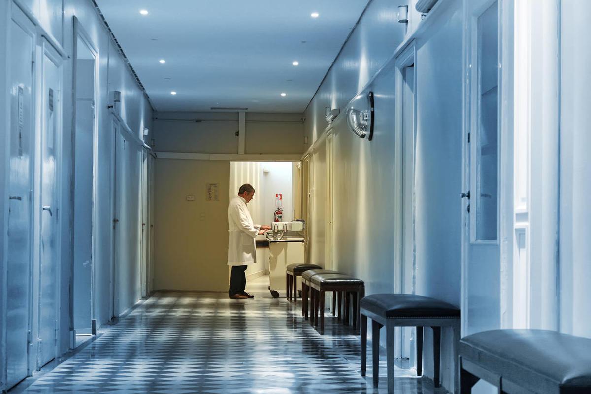 В Екатеринбурге к борьбе с коронавирусом планируют привлечь врачей-пенсионеров