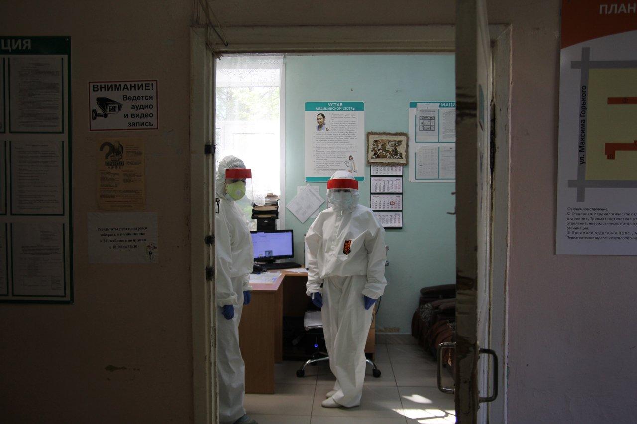 В Томске из-за роста числа пациентов с COVID открыли дополнительные приёмные покои
