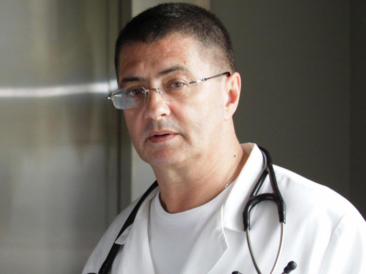 Доктор Мясников призвал корректно озвучивать статистику по коронавирусу