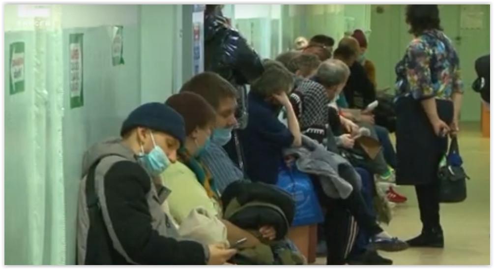 В Канске из-за нехватки врачей на приём пациентов посадили фельдшеров скорой помощи