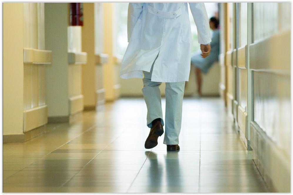 «Здравоохранение рубит сук, на котором сидит»: Штрафы для медиков приведут к массовым увольнениям