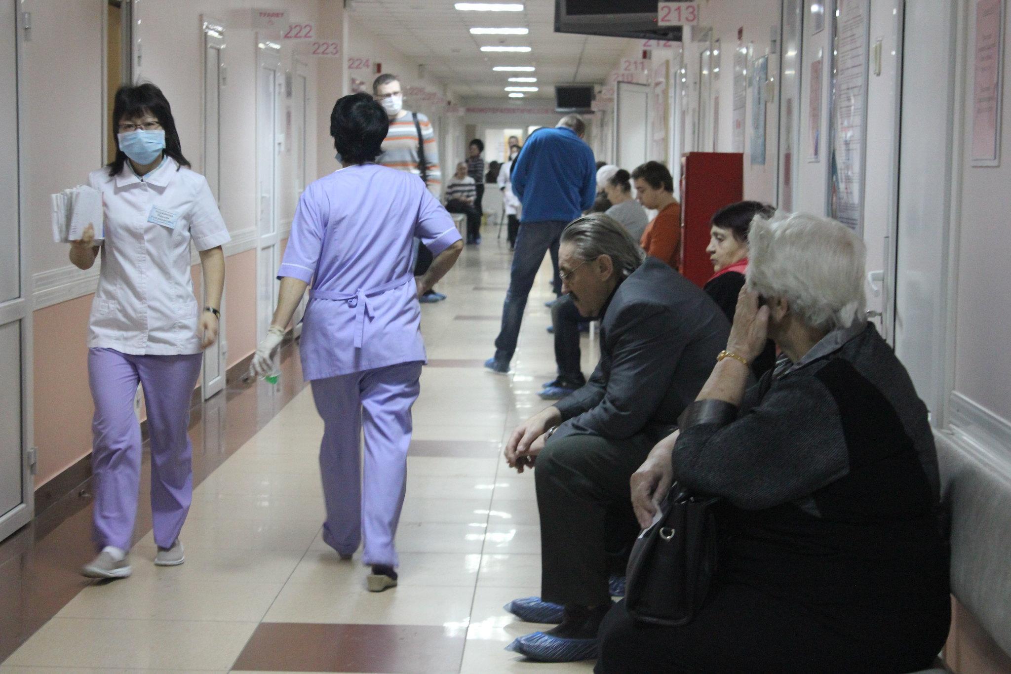 Губернатор Башкирии поручил устранить отток медработников из отрасли