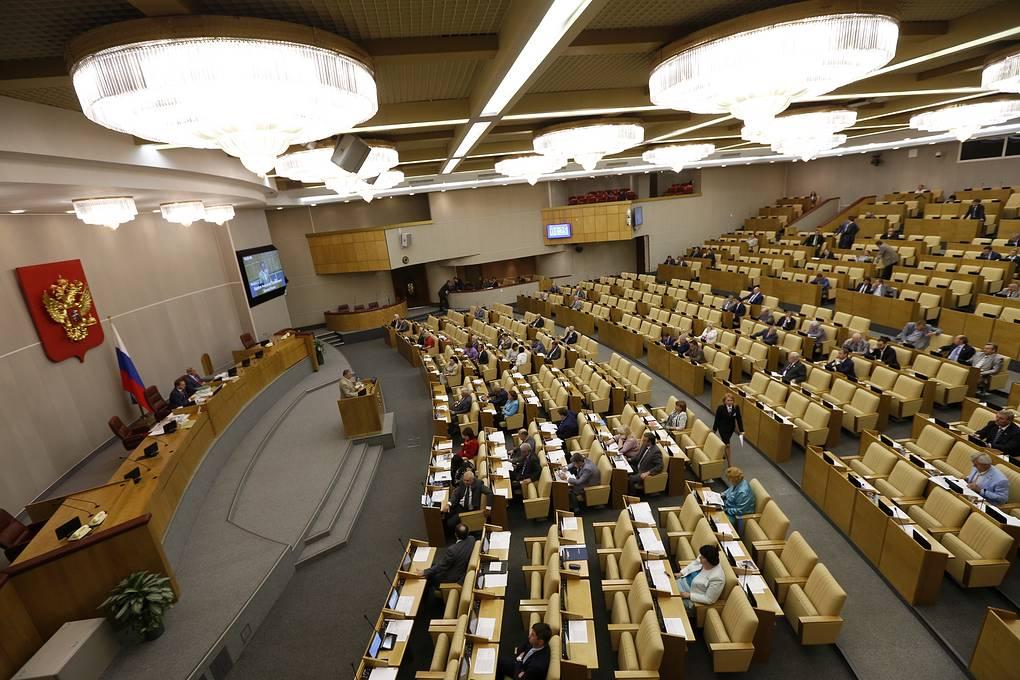 Госдума ввела уголовную ответственность за клевету в интернете на врачей