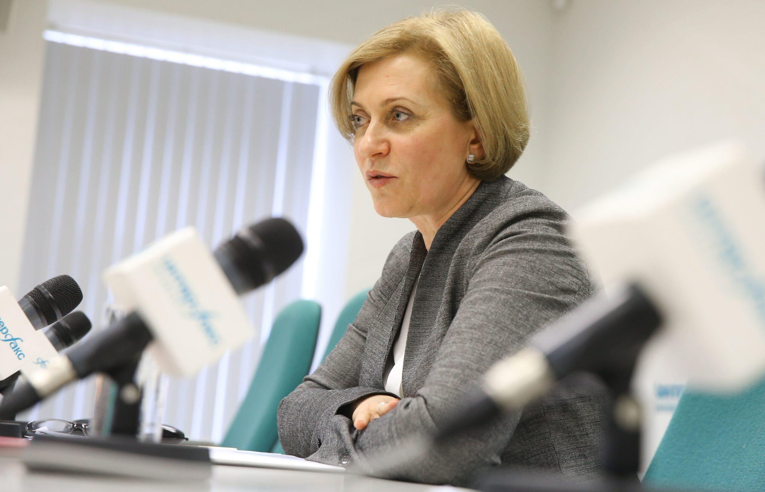 Роспотребнадзор до 2022 года продлил действие санитарных правил при коронавирусе для школ и детсадов