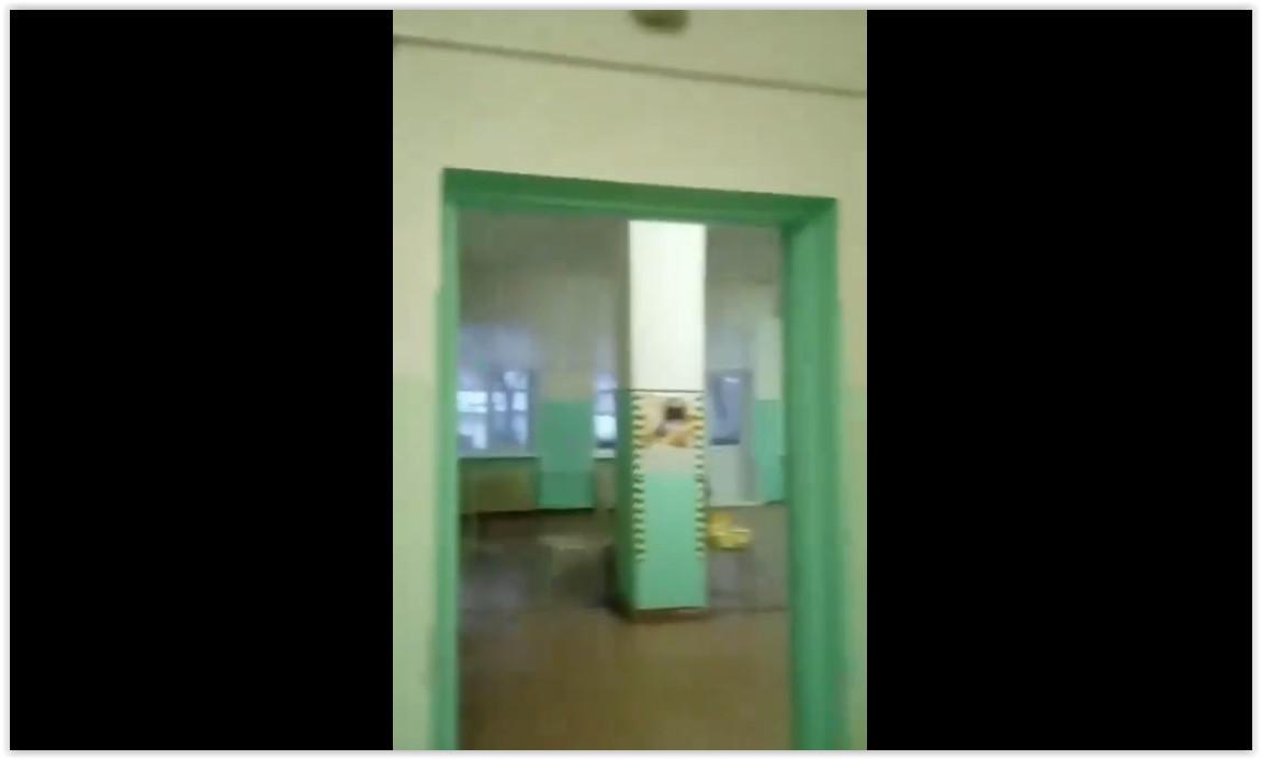Пациенты ковид-госпиталя в Приморье пожаловались на неотапливаемые палаты без дверей и розеток