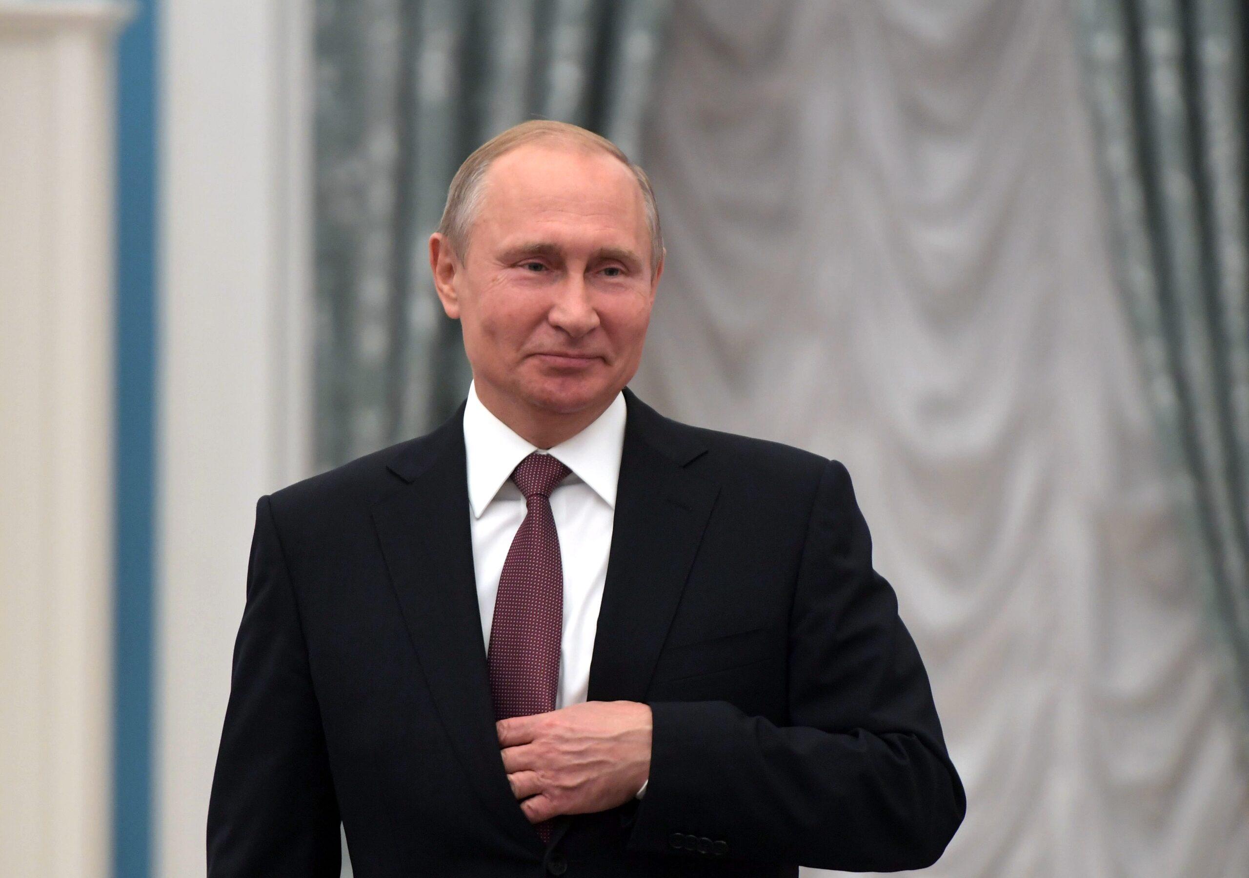 Путин предложил ввести оплачиваемое наставничество в здравоохранении
