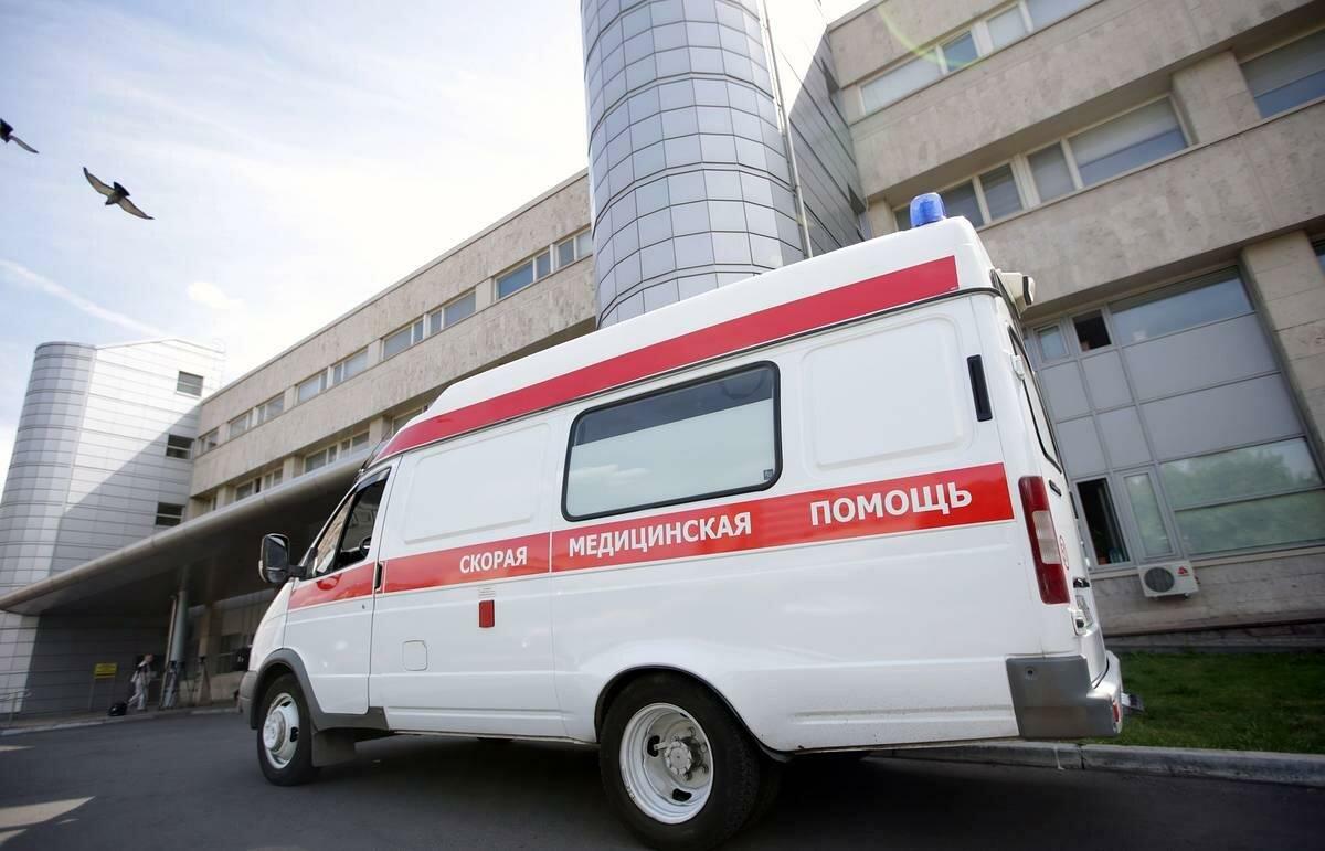 В ХМАО главврач трижды оштрафовал фельдшера: тот требовал доплаты за коронавирус