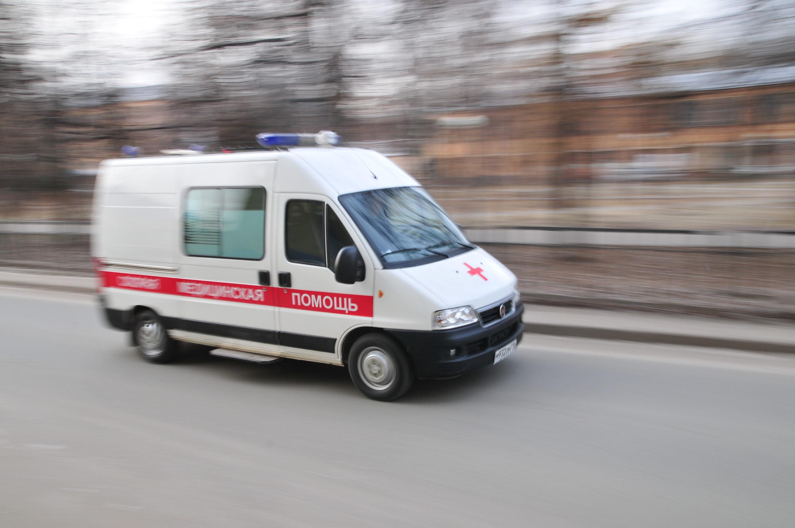 Новосибирец избил фельдшера «скорой» во время осмотра его девушки