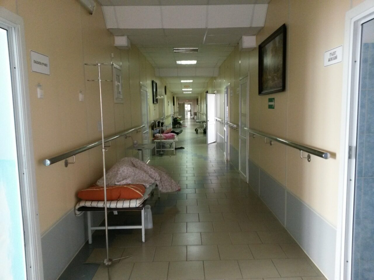 «Теперь — врачи на улицу, а люди — без помощи»: Депутат — о сокращении финансирования больниц