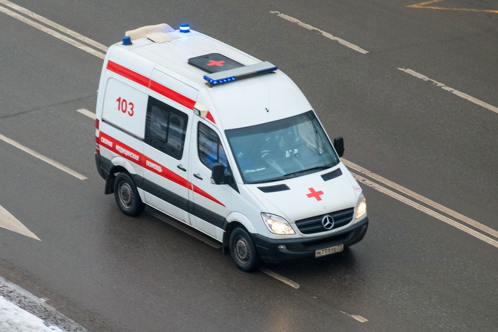 В Омске пьяные родственники пациента напали на фельдшера «скорой» за отказ в госпитализации