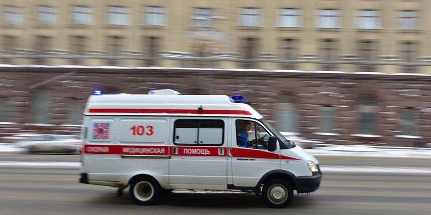 Мать пожаловалась на отказ «скорой» отвезти её дочь в больницу после носового кровотечения