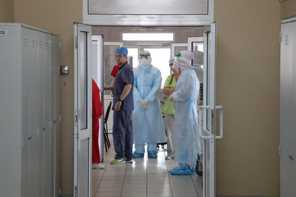 Минздрав опубликовал приказ о допуске медиков к работе без сертификата в период пандемии