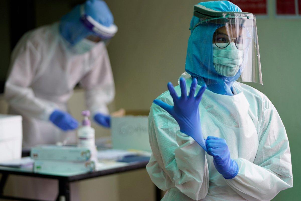 Медработникам не доплатили 330 млн рублей за борьбу с пандемией в 2020 году
