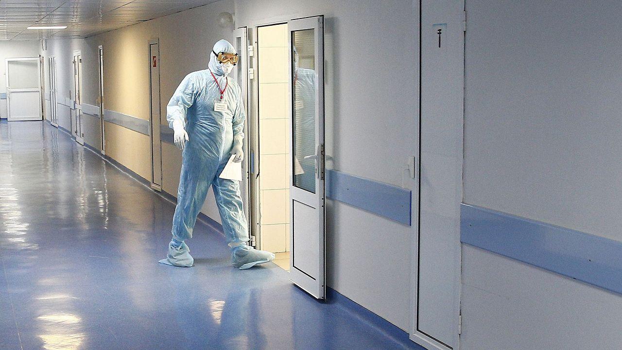 Правительство утвердило порядок расследования случаев заболевания медработников коронавирусом