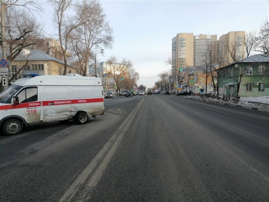 В Самарской области в ДТП со !скорой» пострадали врач и фельдшер
