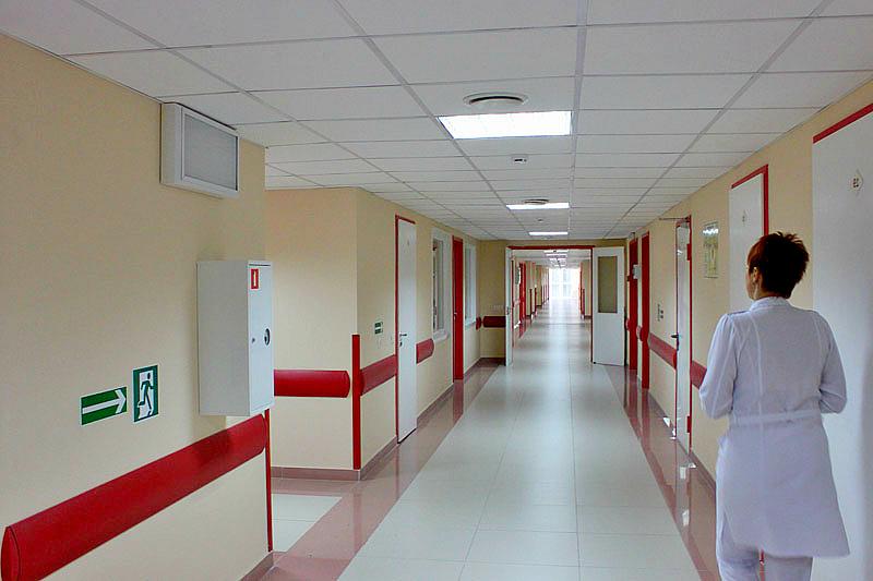 Медсестра поскользнулась на крыльце больницы и получила тяжёлую травму