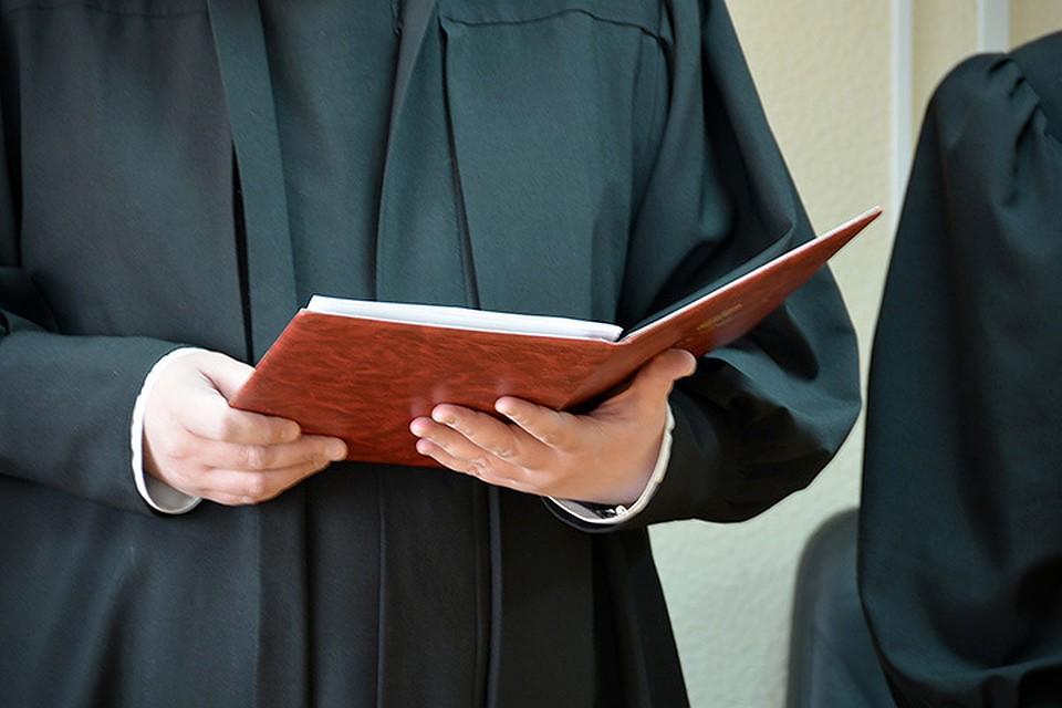 Суд отказал врачу в восстановлении в должности после увольнения в пандемию