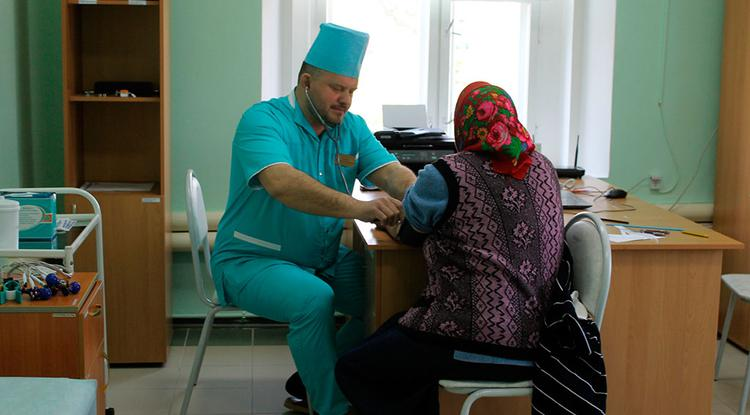 «Врачебное землячество»: специалисты из белгородских горбольниц будут помогать сельским врачам