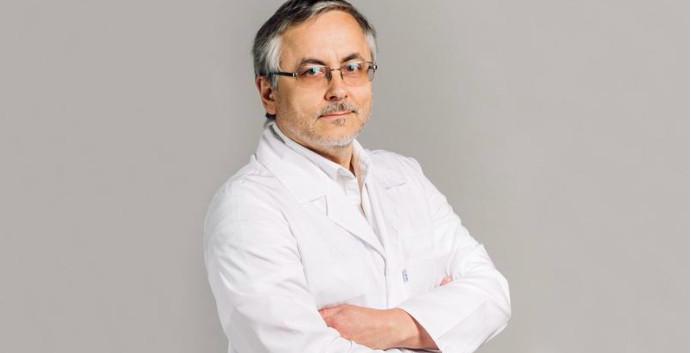 Обвиняемый в убийстве жены врач ушёл с должности главного нефролога Санкт-Петербурга