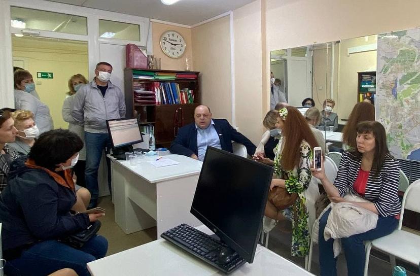 Саратовский министр здравоохранения пообещал лично проверить зарплаты медработников