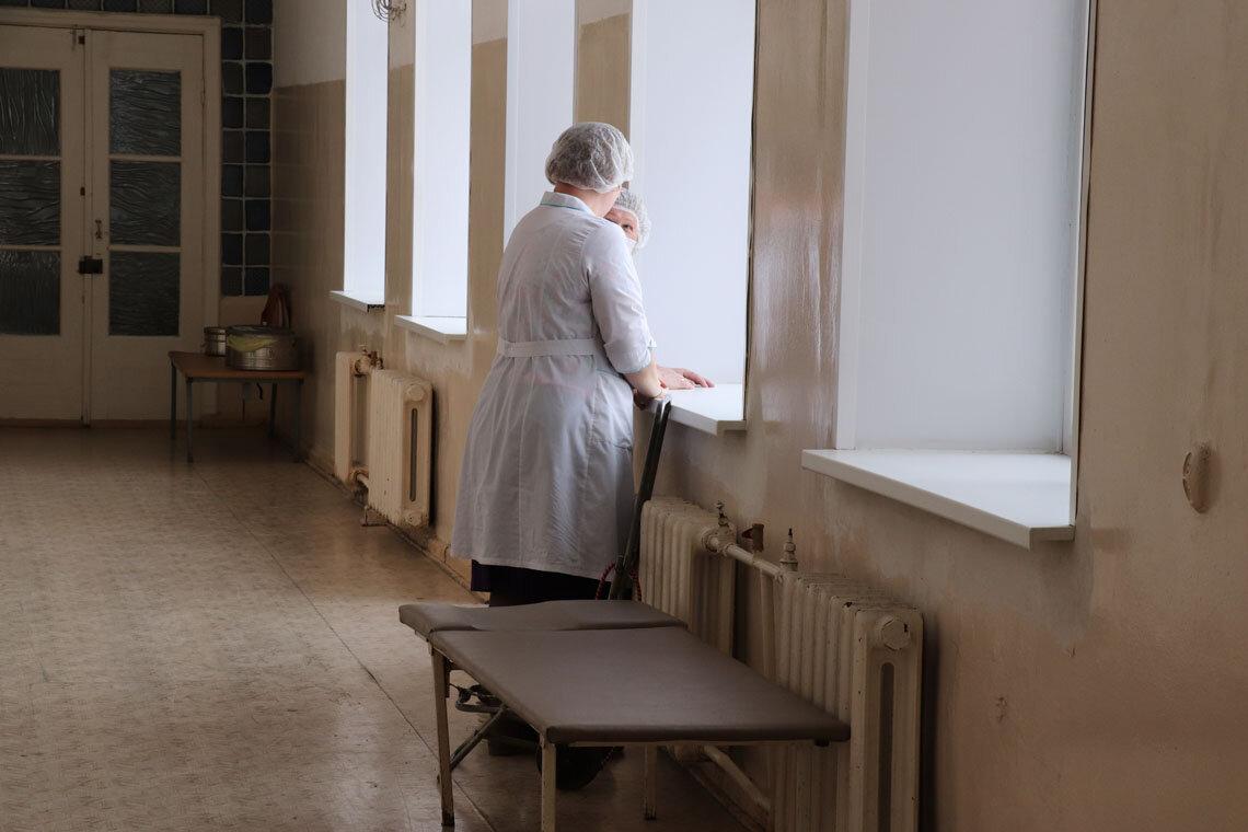 Россияне считают зарплату врачей необоснованно низкой
