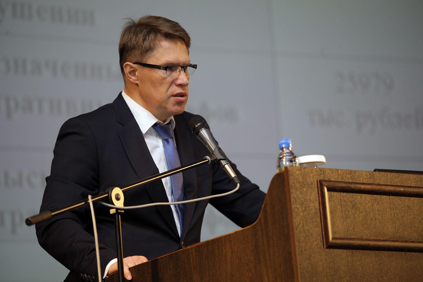 Мурашко назвал мягкими ограничительные меры из-за пандемии в России