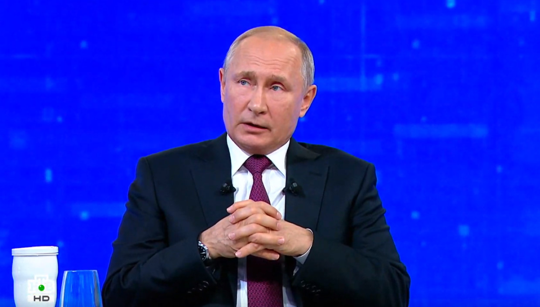 «Сам по себе не уйдёт, прививаться надо»: Путин – о вакцинации от COVID