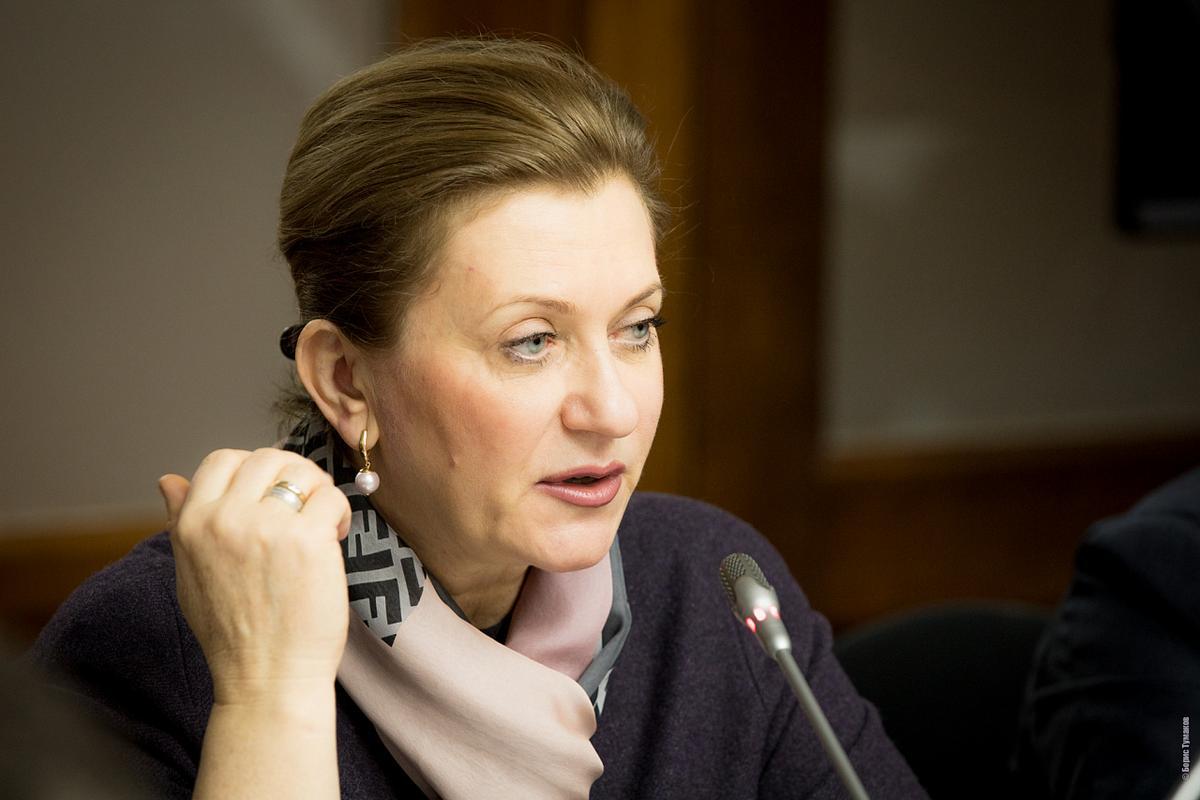 Попова: Ситуация с COVID напряжённая, но есть тенденции к её стабилизации