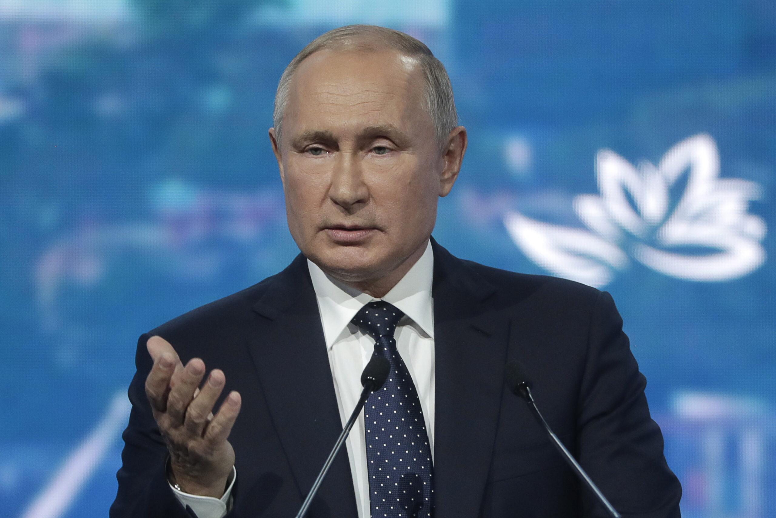 Путин поручил обеспечить удовлетворенность россиян качеством медпомощи